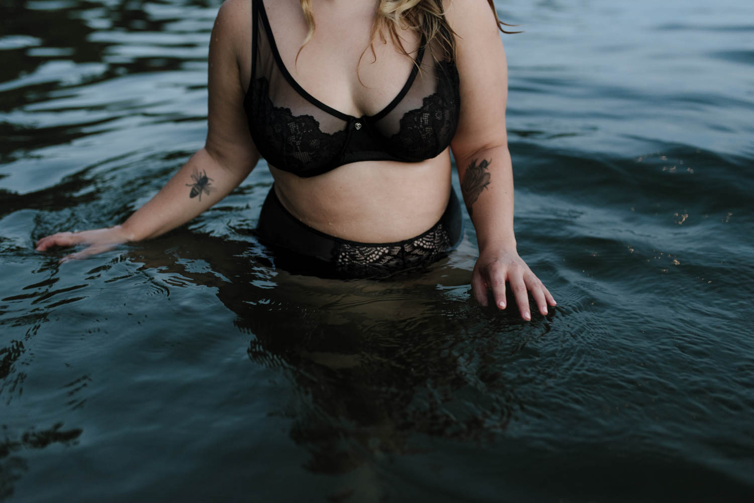Woman-in-water-Boudoir-Vermont-New-England-Photographer-Haley-Water-Boudoir-Color-_DSC3653©Elisabeth-Waller