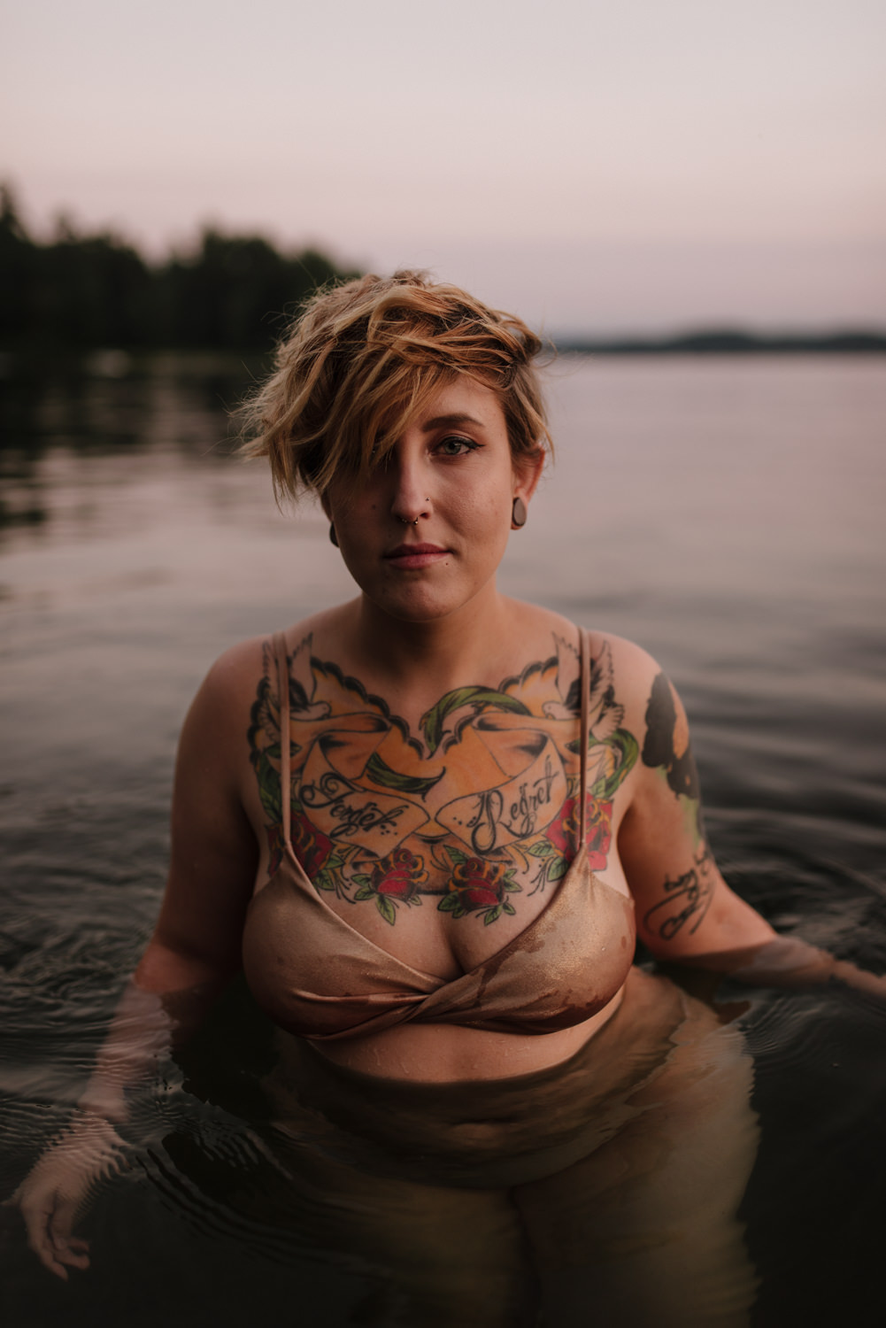 water-boudoir-vermont-portrait-©Elisabeth-Waller-Photography
